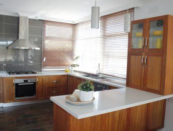 Balwyn Blackwood Kitchen MG3834