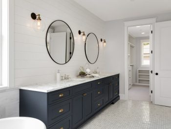 Colonial Style Bathroom-01