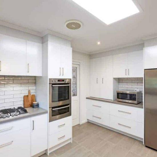 Contemporary-Kitchen005