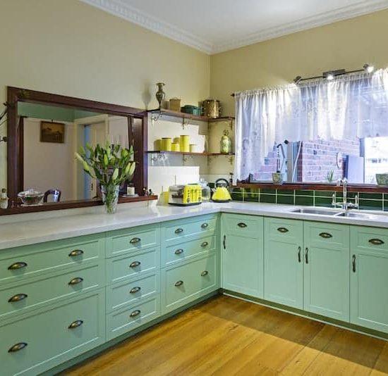 Mitcham-Colonial-style-aqua-kitchen-1
