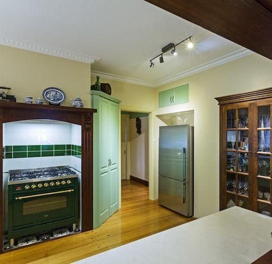 Mitcham-Colonial-style-aqua-kitchen-3