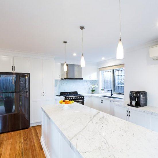 Modern-Colonial-Kitchen02