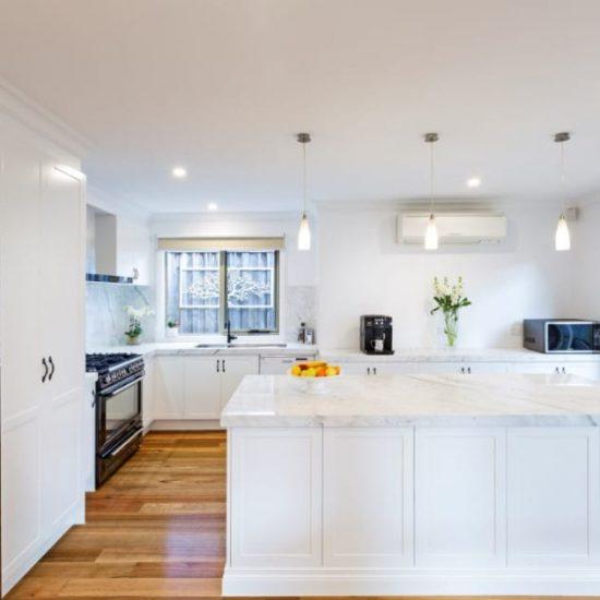 Modern-Colonial-Kitchen04