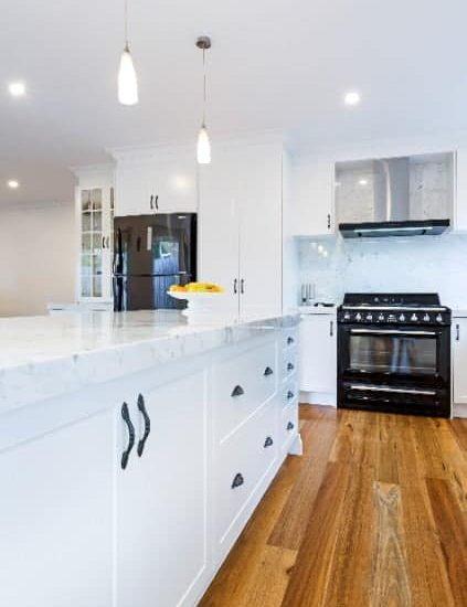 Modern-Colonial-Kitchen05