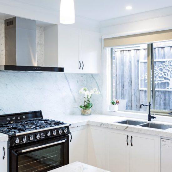 Modern-Colonial-Kitchen06