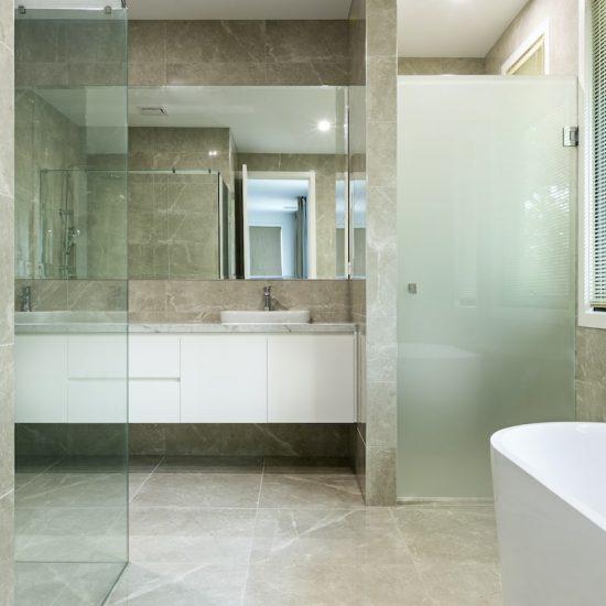 contemporary bathroom wsmontalbert_5595-min