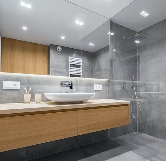contemporary bathroom_850190442-min