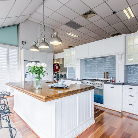 french provincial kitchen display_185A5540-min