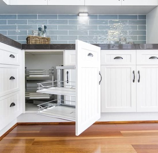 french provincial kitchen display_185A5777-min