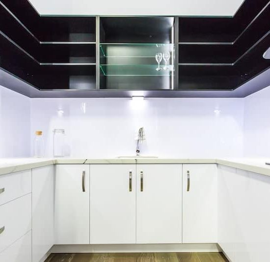 modern butlers kitchen display_185A5789-min