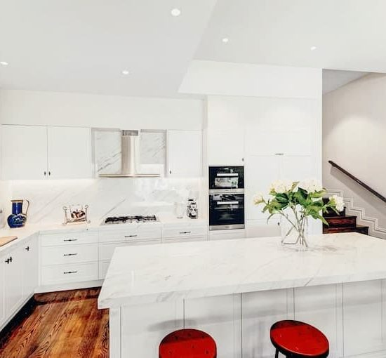 modern colonial hampton kitchen babalwyn_6369-min