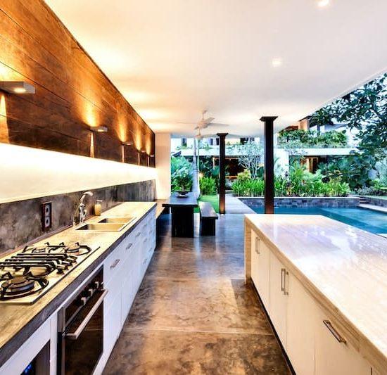 outdoor modern kitchen_540103412-min
