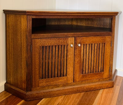 Federal tasmanian oak hardwood corner TV unit