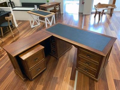 Federal tasmanian oak hardwood desk