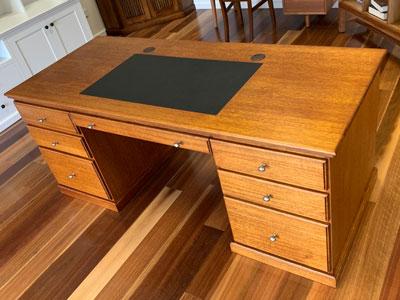 Williams tasmanian oak hardwood desk