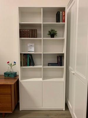 Jonas-Free-standing-white-bookcase